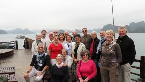 le groupe sur le bateau dans la Baie d'Along