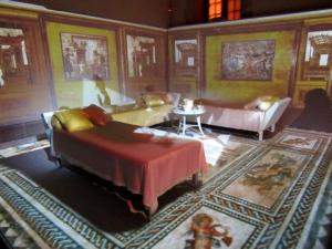 une salle de banquet reconstituée