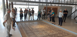 voyage Lyon le groupe dans le musé de Saint Romain en Gal