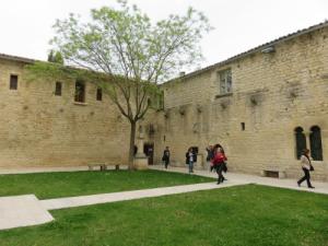 le cloître de l'ancien couvent des cordeliers