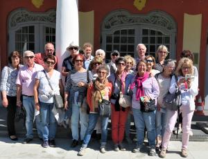 le groupe à Tallinn capitale de l'Estonie